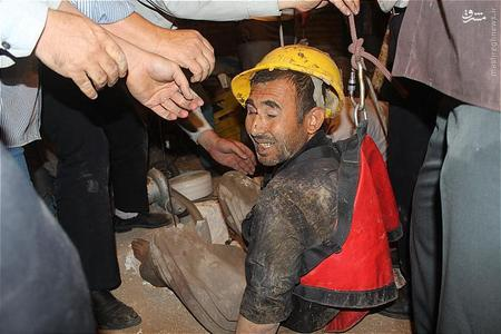 اول خرداد 94 : نجات معجزهآسای جوان افغان از اعماق چاه