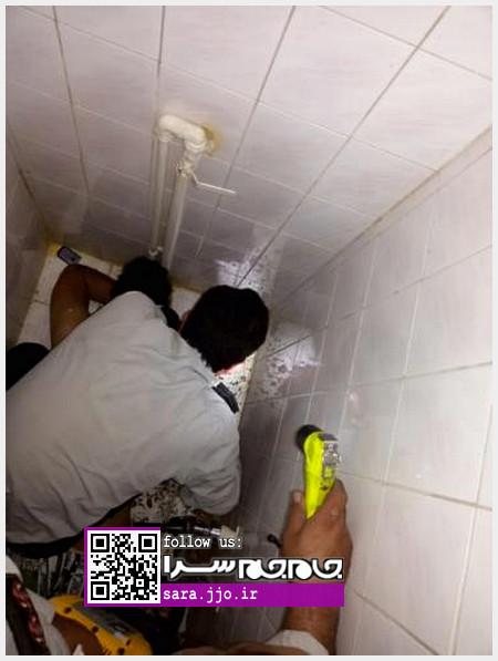خواست موبایل را درآورد، دستش در چاه توالت گیر کرد!