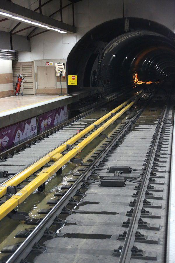 آبگرفتگی ایستگاه مترو قلهک