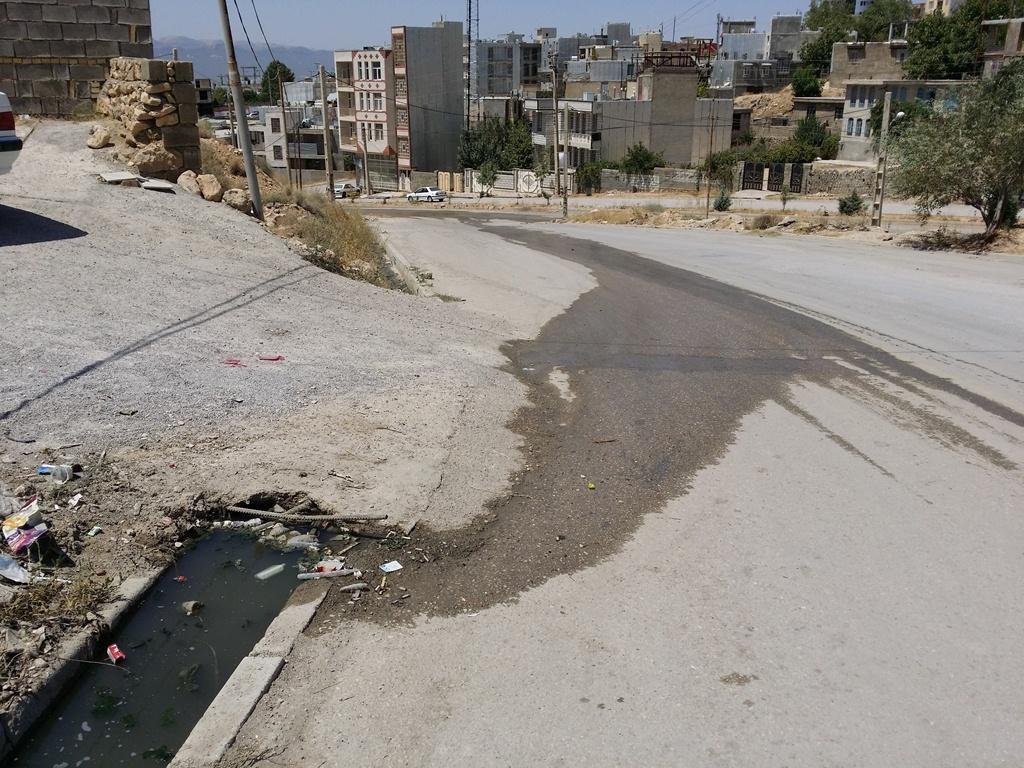 سرازیر شدن فاضلاب های سرگردان در خیابان های شهر یاسوج